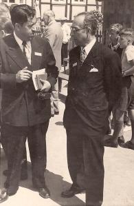 Don Gonzalo y Profr. Gustavo A. Velasco quien le sucedió en CUPSA