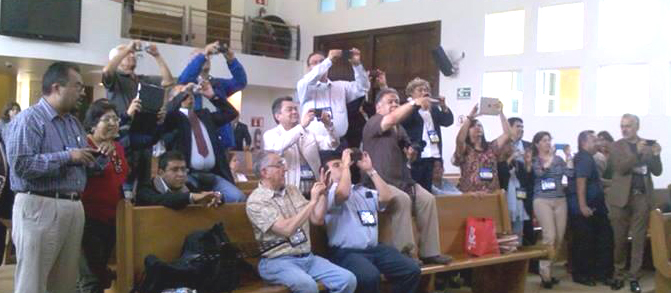 había más fotógrafos que  delegados
