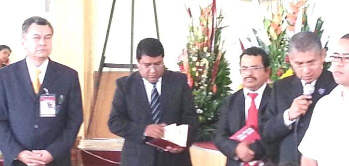 Pastor Rodrigo Salas, Superintendentes Noé Sánchez y Jair Xicohtencatl. obispo Cruz Hernández