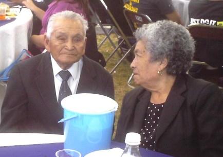 Pastor Noe y esposa
