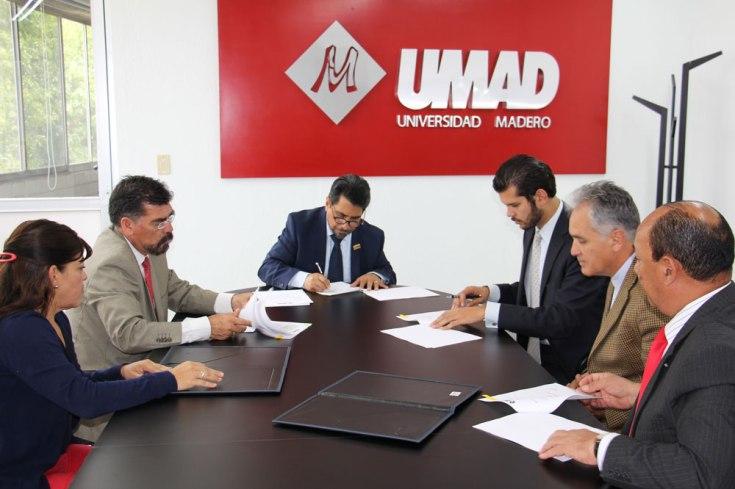 14. Firma convenios UMAD a