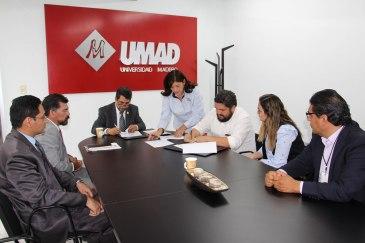 14. Firma convenios UMAD b